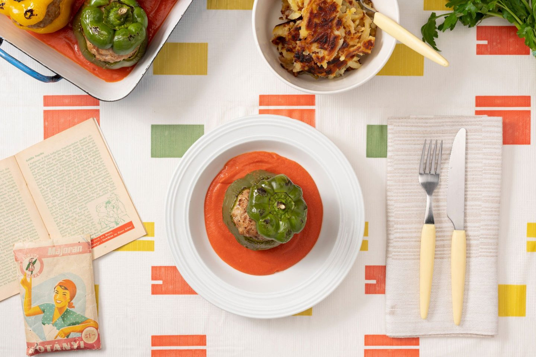 Babure punjene mlevenim mesom sa sosom od paradajza, začinjene majoranom.